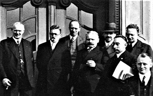Barmer BK-Prüfungskommission, unter anderem mit Johannes Schlingensiepen (2. v. l. ) und Wilhelm Hartig (4. v. l. ).