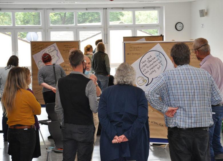 Gruppenarbeit beim Konzeptions-Workshop